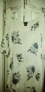 Torrid size 2 top wigh cut out sleeves